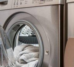 lavadoras de marca trabajando
