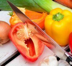 picando verduras
