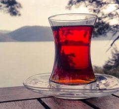 taza de té rojo