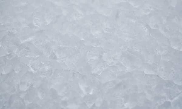hielos en congelador horizontal
